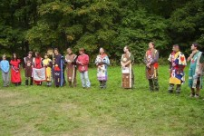 Sobotní nástup kmenů na Velkých hrách Midewiwinu 2008