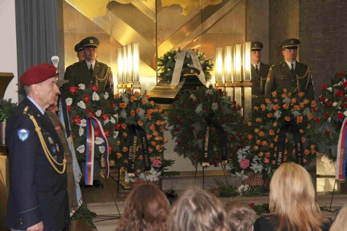 cermak-jaroslav-2011-03-22-pohreb-img-4228-e